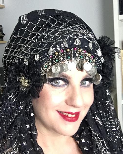 Davina-VlogChallenge-Headdress-Web